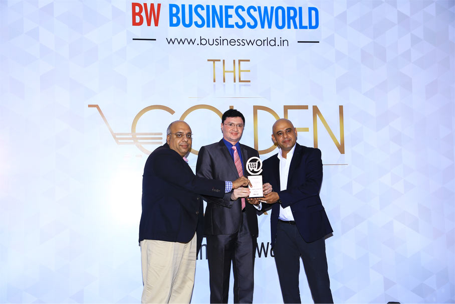 Receiving award for eBay from Businessworld (BW) and Nielsen